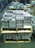 Revues sur des dérapages dans l'entrepôt photographie stock