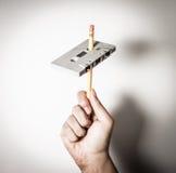 Rewind del nastro a cassetta d'annata con la matita Stile dell'annata Fotografia Stock Libera da Diritti