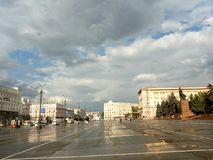 Rewolucji Lenin i kwadrata aleja w Chelyabinsk obrazy royalty free