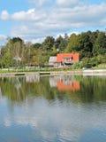 Rewolucjonistka domowy pobliski jezioro Obraz Royalty Free
