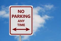 Rewolucjonistka i biel Żadny parking znak obrazy stock