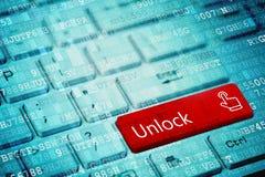 Rewolucjonistka klucz z tekstem Otwiera na błękitnej cyfrowej laptop klawiaturze fotografia royalty free