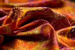 Rewolucjonistka, kolor żółty, pomarańcze oferta barwił tkaninę, elegancja pluskoczący materiał Zdjęcie Stock