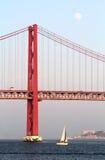 Rewolucjonistka most przy zmierzchem, Lisbon, Portugalia Fotografia Stock