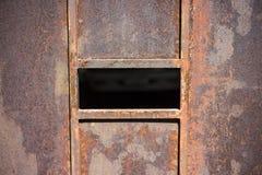 Rewolucjonistki rdza na garażu drzwi Stary stalowy drzwi w Azja w Tajlandia zdjęcie royalty free