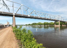 Rewolucjonistki skrzydła most nad Missippi rzeką Obraz Royalty Free