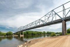Rewolucjonistki skrzydła most nad Missippi rzeką Zdjęcia Stock