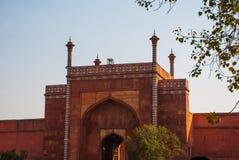Rewolucjonistki wierza Taj Mahal kompleks w Agra, India Zdjęcia Stock