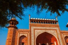 Rewolucjonistki wierza Taj Mahal kompleks w Agra, India Obraz Royalty Free