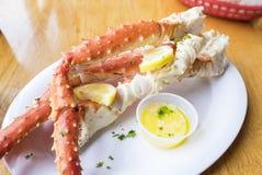 Rey de Alaska cocinado Crab Legs Fotos de archivo libres de regalías