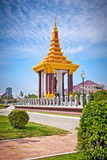 Rey Father Statue Norodom Sihanouk en Phnom Penh, Camboya fotos de archivo