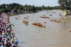 Rey largo tradicional Cup de los barcos de Tailandia de la competencia Foto de archivo