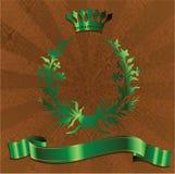Rey verde Crown On Brown Background. Fotos de archivo