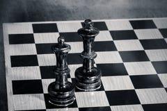 Rey y reina - ajedrez imágenes de archivo libres de regalías