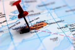 ReykjavÃk射击的关闭在地图,冰岛的首都的 免版税图库摄影