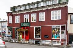 Veltusund street in downtown of Reykjavik city. REYKJAVIC, ICELAND - SEPTEMBER 5, 2017: urban house with shop and restaurant on Veltusund street in downtown of Stock Image