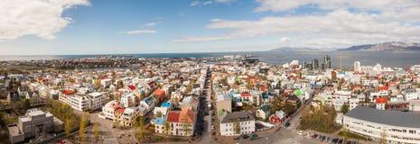 Reykjavik céntrico, Islandia Visto de la iglesia de Hallgrimskirkja Foto de archivo