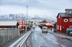 Reykjavik, Islândia - 22 de janeiro de 2016: Porto de Reykjavik durante os meses de inverno, uma atração de turistas populares imagens de stock