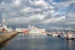 Reykjavik, Islande - 14 octobre 2017 : bateaux au voyage de bateau ou de bateau de côte À ceux pendant qui cherchez l'aventure images stock