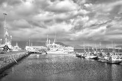 Reykjavik, Islande - 14 octobre 2017 : bateaux au voyage de bateau ou de bateau de côte À ceux pendant qui cherchez l'aventure photographie stock libre de droits