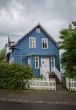 REYKJAVIK, ISLANDIA 25 DE JULIO: Calles 25, 2013 de la ciudad en Reykjavik, foto de archivo