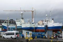 REYKJAVIK, ISLANDIA 25 DE JULIO: Puerto viejo 25, 2013 en Reykjavik, Ic fotos de archivo