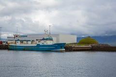 REYKJAVIK, ISLANDIA 25 DE JULIO: Puerto viejo 25, 2013 en Reykjavik, Ic fotos de archivo libres de regalías