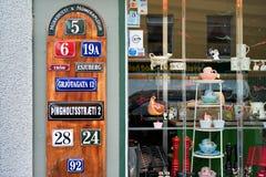 Reykjavik, Islandia - julio de 2008: Escaparate de la tienda de souvenirs Fotos de archivo libres de regalías