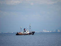 REYKJAVIK KUST, 27 IJSLAND-JULI: wi van de walvisvangstboot Stock Foto's