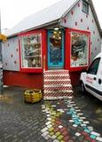 Reykjavik& x27; s samozwańczy Śliczny Mały sklep Obrazy Royalty Free