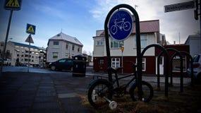 Reykjavik, via centro di reykjavik, Islanda fotografia stock libera da diritti