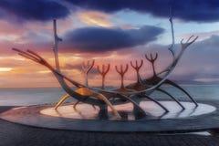 Reykjavik y puesta del sol Fotografía de archivo libre de regalías