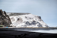 REYNISFJARA/ICELAND - 2月02日:Reynisfjara火山的Beac看法  库存图片