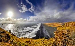 Reynisfjara, plage noire de sable, automne 2018, Islande photographie stock libre de droits
