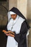 Rezando a freira Fotografia de Stock Royalty Free