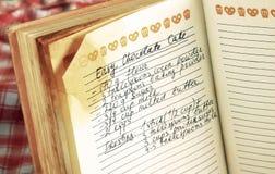 Rezept im Kochbuch Stockbilder