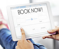 Rezerwacja bileta powietrza podróży wycieczki wakacje Online pojęcie Fotografia Stock