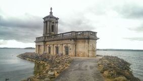 Rezerwuaru kościół Fotografia Royalty Free