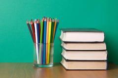 rezerwuje biurko ołówki Zdjęcie Royalty Free
