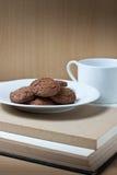 rezerwuje kawowych ciastka Obraz Stock