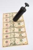 Rezession: Bargeldeinspritzung. lizenzfreie stockbilder