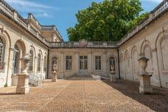 Rezydencji ziemskiej podwórze w Avignon obrazy stock