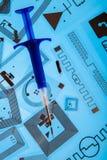 RFID-det att inplanterainjektionsspruta och RFID-etiketter Arkivbild