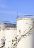 RFM-Auszugchemikalien-Behälter strorage in der petrochemischen Raffinerie pl Stockfotografie