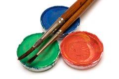 Rgb-Aquarelle mit Malerpinseln Stockfotografie