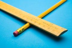 Régua e lápis Fotografia de Stock Royalty Free