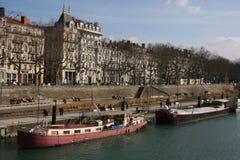 Rhône-Flussquerneigungen in Lyon stockbild