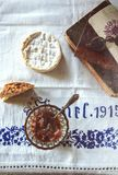 Rhabarberstau und -käse Stockbilder