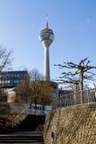 Rheinturm, Dusseldorf, Duitsland Stock Afbeelding