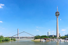 Rheinturm Kontrollturm Dusseldorf Stockfoto